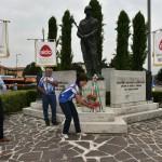 2015.06.14 40° Aido Grassobbio - Via Roma al Monumento dei Caduti di tutte le guerre - omaggio floreale