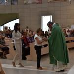 2015.06.14 - 40° Aido Grassobbio - Via Papa Giovanni XXIII - interno Chiesa Santa Famiglia di Nazaret - Offertorio a don Manuel di AnnaMaria Morucci