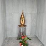 2015.06.14 - 40° Aido Grassobbio - Via Papa Giovanni XXIII  - al Cimitero - benedizione fiaccola -  rappresenta nel piedistallo il profilo di donna e di uomo con altro lato l'albero della vita