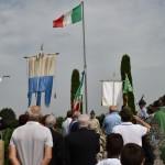 2015.06.14 - 40° Aido Grassobbio - Via Papa Giovanni XXIII  -  al monumento degli Alpini - alzata bandiera con il silenzio fuori ordinanza